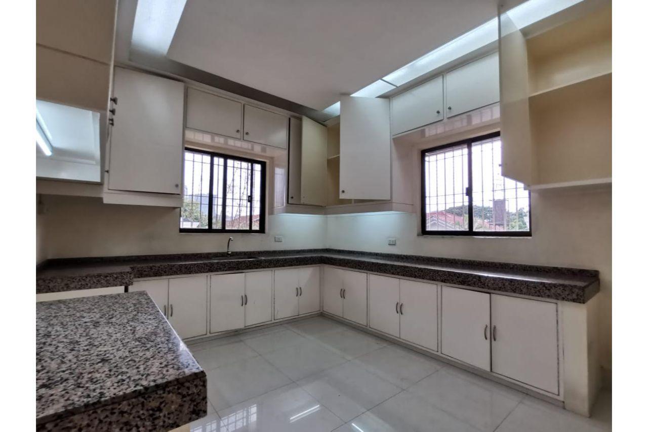 Amorsolo St. Corinthian House for Sale